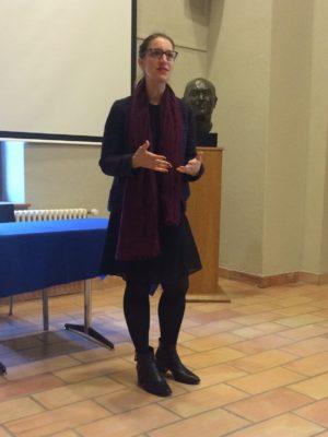 Melinda Merminod, chargée de projets, présente les activités des événements de la Fondation